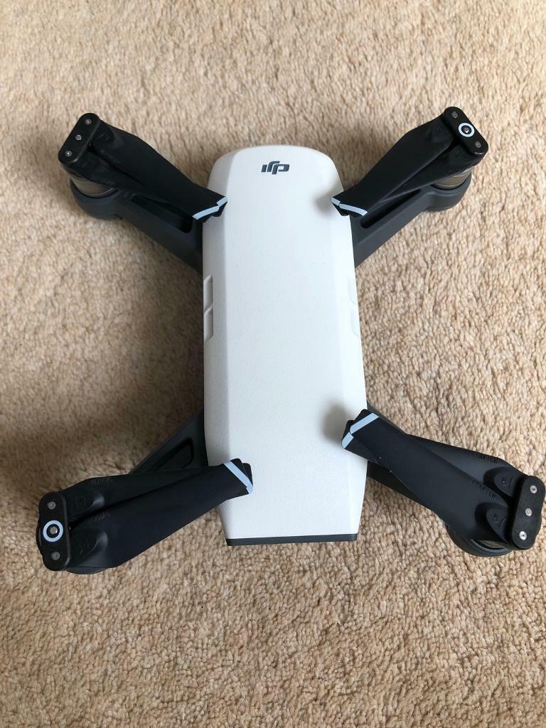DJI Spark Drone Fly More Combo - Alpine White (UK) | in ...