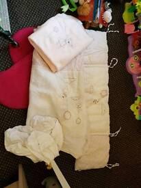 Mamas and papas pink cotbed set