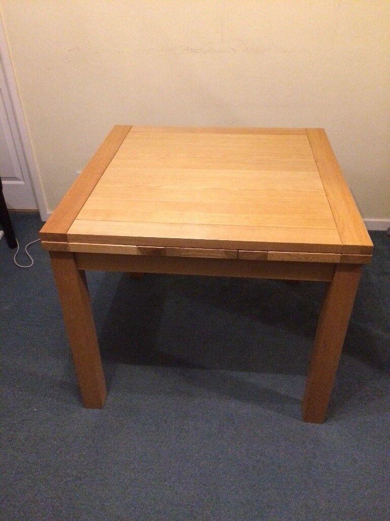 Extendable oak dining table, seats 4-6