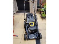 McCulloch Flymo M46-125WR 46cm Self Propelled Petrol Mower