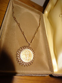 1906 Gold Sovereign with 26 INCH 9CT GOLD BELCHER CHAIN & MOUNT