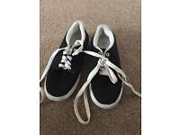 Boys river island light weight trainers/daps size 13