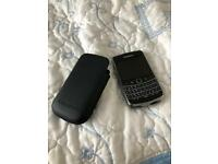 Blackberry 9700 Bold-BRAND new condition UNLOCKED