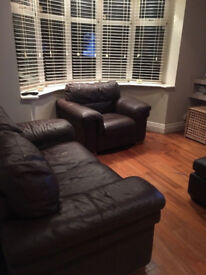 Good quailty leather sofas 2plus 2 chairs in great condition.!