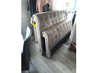 Gourgous gray velvet king size bed