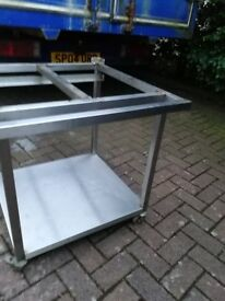Pizza oven stand or grill