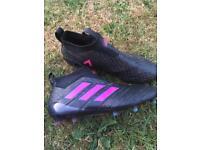Adidas laceless football boots