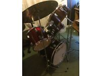 Maxwin Drum Kit in good condition, ono.