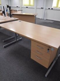 Good quality Office desk Oak effect with a under desk 3 drawer pedestal