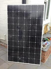 Large shattered 275w solar panel