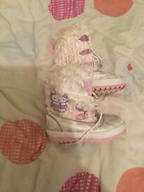 Girls size 10 snow boots