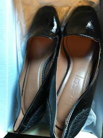 Black Court shoes 4.5
