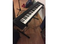 Yamaha keyboard - digital portable keyboard like new with the box and stand