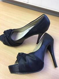 Size 6 black peep toe court shoe
