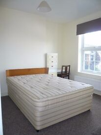 DOUBLE ENSUITE ROOM TO LET IN SPALDING TOWN CENTRE - Within 2 mins to all shops & restaurants