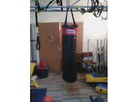 Lonsdale 5ft Boxing bag .