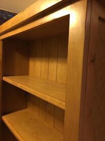 Bookshelf (solid oak)
