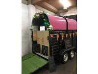 Catering trailer/Classic horse trailer conversion/gin bar/prosseco/coffee/weddings