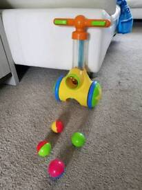 Tomy Pic'n'Pop Toddler Childs Push Along Toy Ball Game