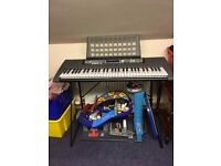 Yamaha EZ 200 Keyboard and Stand