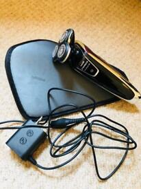 Philips Sensotouch 3D wet dry shaver RRP $370