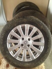 selling wheals r15 with good new tyres.