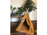 Teepee dog bed (for small dogs)