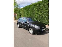 Black Renault Clio 5 door