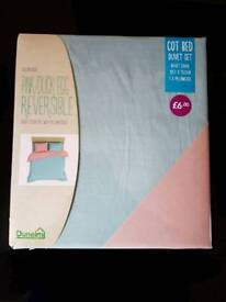 Reversible cot/cot bed duvet/bedding set