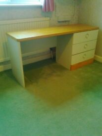 STAG DRESSING TABLE IN GOOD CONDITION - LOCAL DELIVERY with ASSISTANCE IS POSSIBLE