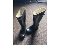 Hardly worn Hunter Wellies Size 5