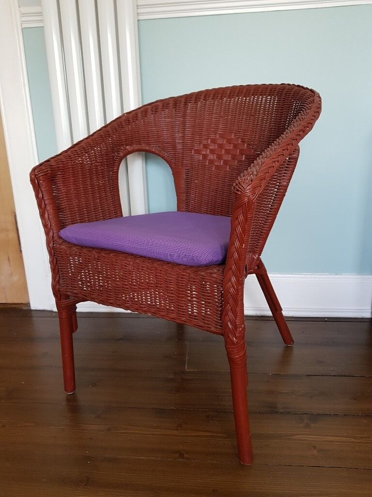 Dark Stained Wicker With Removable Cushion In Pale Purple Colour