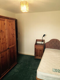 Large single room avalable to rent !