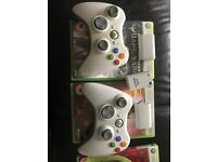 TWO WIRELESS CONTROLLERS PlUS FOUR BATTERY PACKS 250 HARD DRIVE
