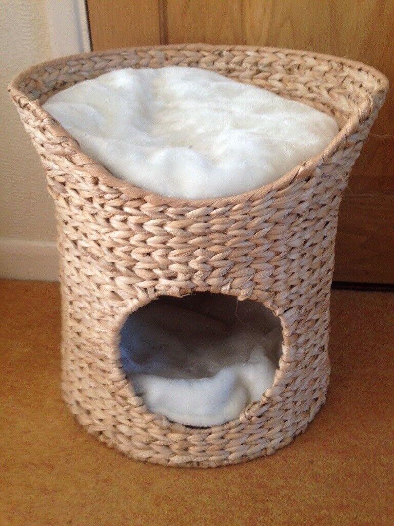 New Woven sea grass wicker cat basket