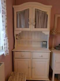 White cabinet/ display /