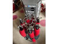 5 piece kitchen gadget set with wire stand