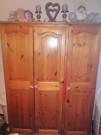 pine triple wardrobe - Delivery - £65 -