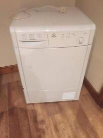 INDESET TUMBLE DRYER 7Kg
