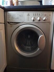 * Indesit washing machine / dryer * QUICK SALE