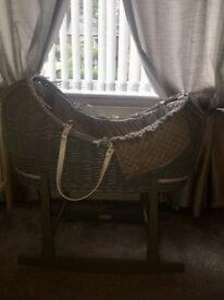 Grey dimple pod Moses basket with grey rocking stand