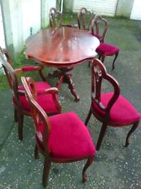 CLASSIC DINING TABLE WITH 6 CHAIRS