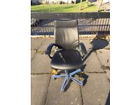 Girsberger Black Leather Swivel Office Chair