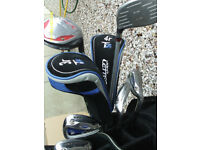 MENS RIGHT HAND GOLF CLUBS WITH BAG
