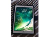 """Apple iPad Air 2 16gb WiFi Gold 9.7"""" with case"""