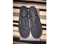 Trainers soul cal size 4