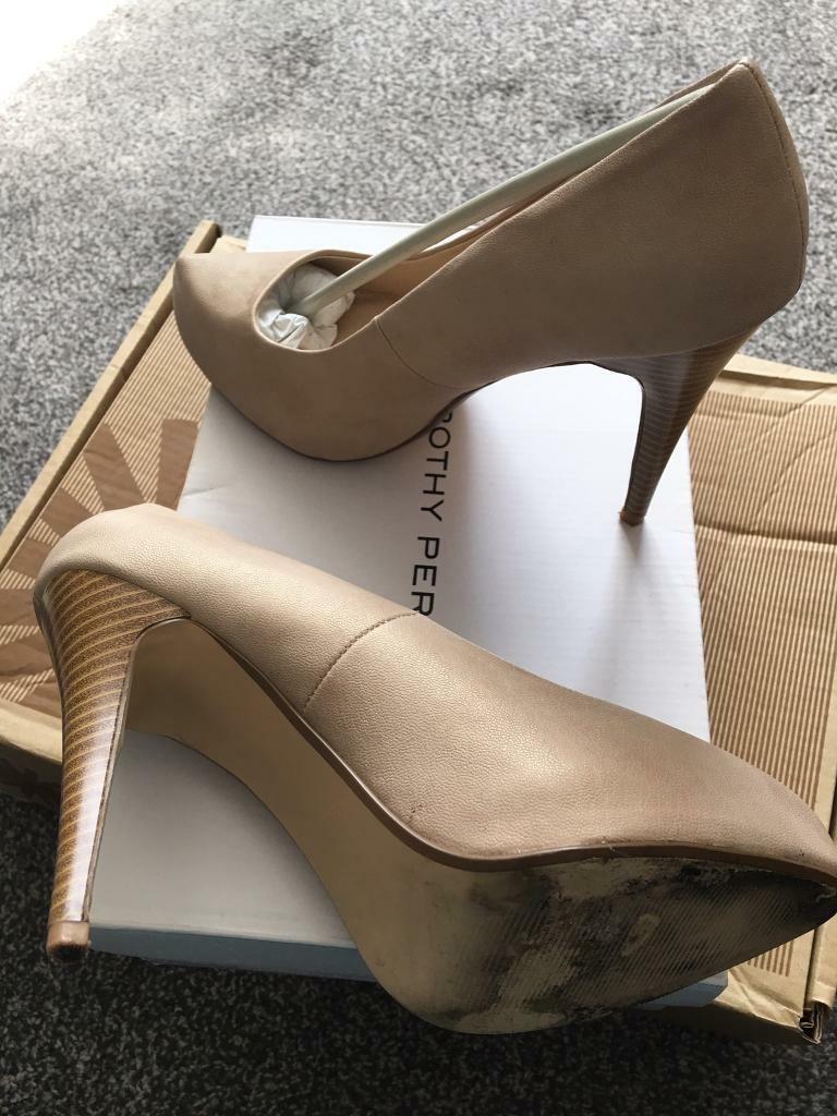 """Shoesin Wolverhampton, West MidlandsGumtree - Dorothy Perkins in original box 5"""" / 12.75cm heels nude colour. Slight mark in one as can be seen in photo but not noticeable when wearing. Only work once hence lovely condition. From pet/smoke free home. Will consider genuine offers. Collection WV9..."""