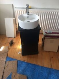 Vanity unit/ sink with storage cupboard & tap