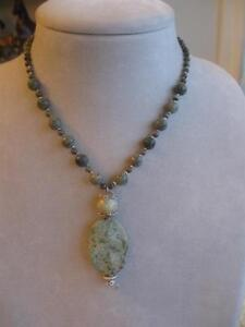 STUNNING OLD VINTAGE BEADED JADE PENDANT NECKLACE