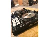 Pioneer DDJ-SR controller mixer decks